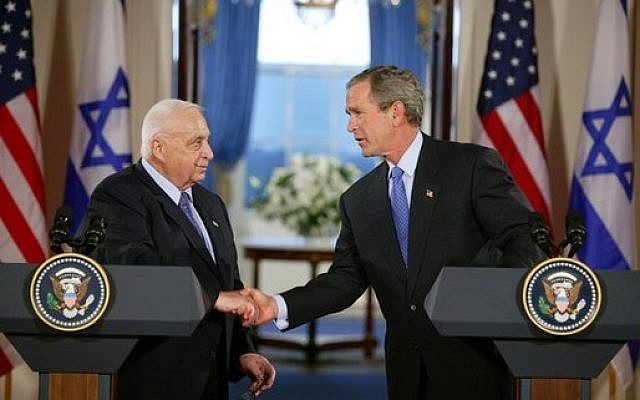 Prime minister Ariel Sharon and President George W Bush at the White House in April 2004 (photo credit: White House / Wikipedia Commons)