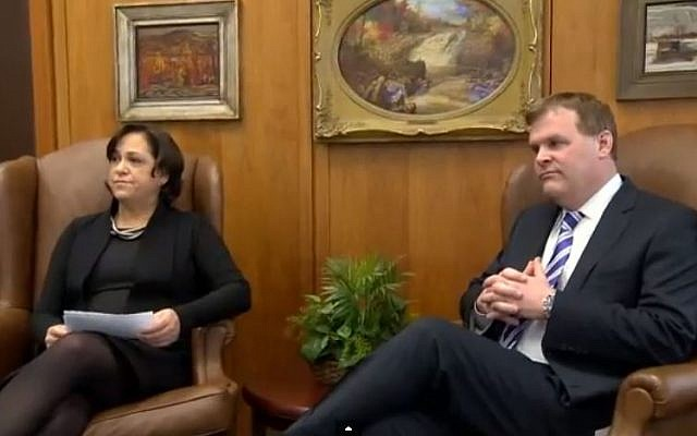 Newly-appointed Canadian Ambassador to Israel Vivian Bercovici (L) with Canadian Foreign Affairs Minister John Baird, January 8, 2014. (screen capture:/YouTube: NewsinGlobals)