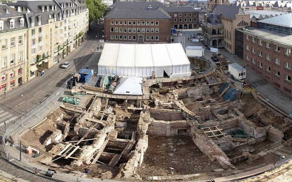 Credit Bust Gives Few Old Buildings >> 1 700 Years Of Jewish History Come Alive In Downtown Cologne The