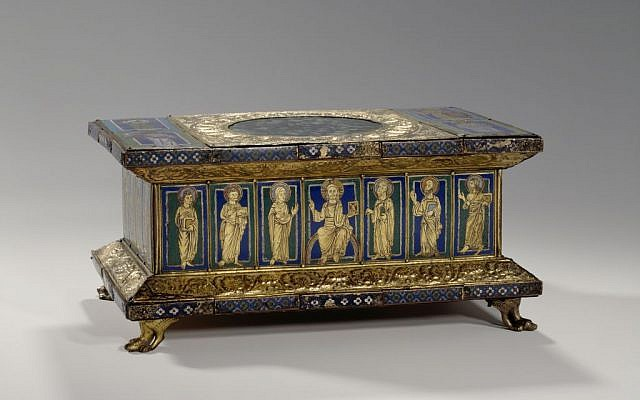Portable altar of Eilbert from the Guelph Treasure, 1150; origin stylistically: Cologne; Historical Location: Brunswick, St. Blasius; pits and cloisonne enamel on copper, gold plated; altar stone rock crystal; parchment painting, floor plate with brown varnish, oak wood core; Museum of Decorative Arts (photo credit: SPK)