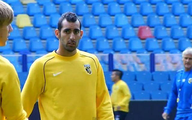 Israeli soccer player Dan Mori, 2012. (photo credit: screen capture:YouTube/Vitesse TV)