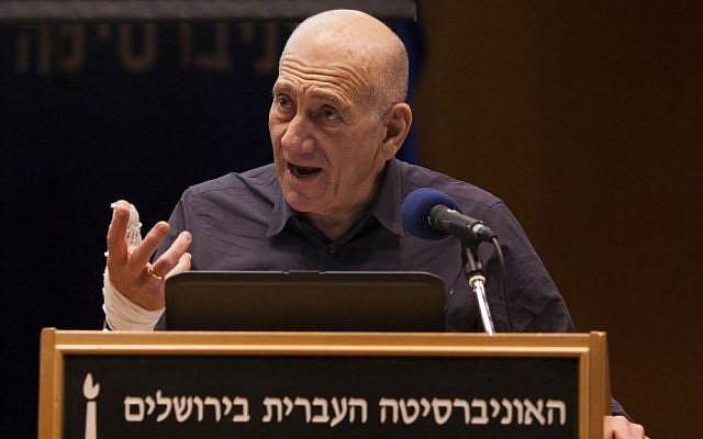 Former prime minister Ehud Olmert speaks at a panel in the Hebrew University in Jerusalem on January 6, 2014. (photo credit: Yonatan Sindel/Flash90)