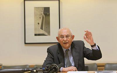Former Supreme Court Justice Eliezer Goldberg in February 2013 (photo credit: Miriam Alster/ Flash 90)