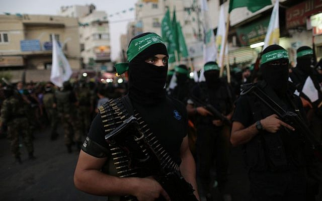 Illustrative photo of masked Palestinian gunmen (Wissam Nassar/Flash 90)