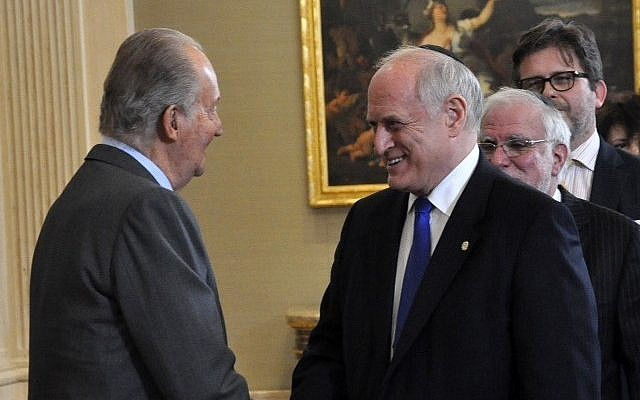 Malcolm Hoenlein meets King Juan Carlos I in Spain. February 13, 2014. (photo credit: Courtesy)