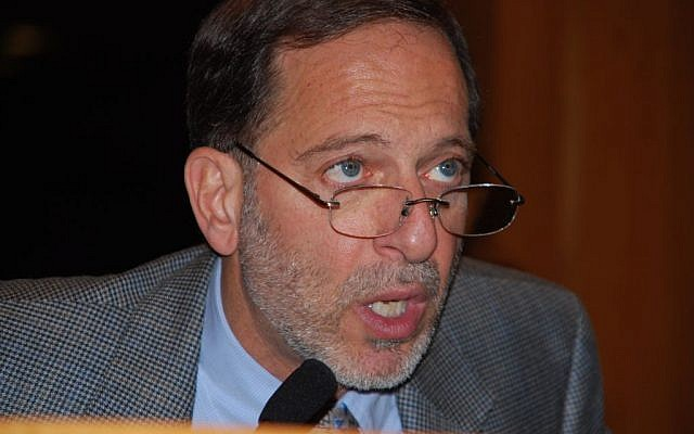 Rashid Khalidi seen here speaking at Brooklyn Law School at an event hosted by the National Lawyers Guild. January 23, 2009. (Next Left Notes, Thomas Good / NLN/ via wikipedia)