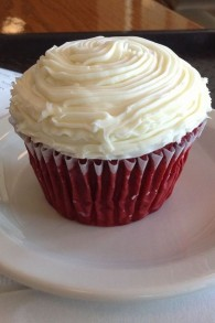 Skip the layers and just make red velvet cupcakes instead (Photo credit: luciama/CC-BY-SA-3.0)
