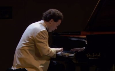 Evgeny Kissin in concert in 2010 (photo credit: screen capture/YouTube)