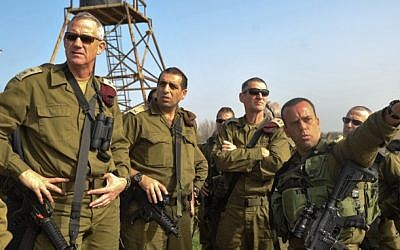 IDF Chief of Staff Benny Gantz (L) seen during a tour in the Golan Heights, February 23, 2014  (photo credit: IDF Spokesperson/Flash90)