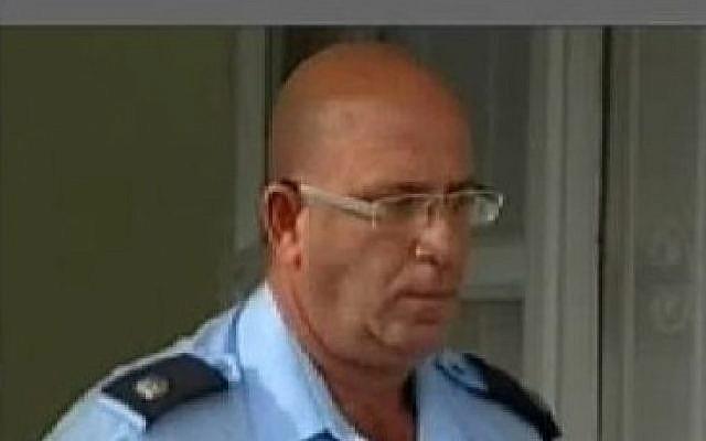 Superintendent Ron Goldberger (screen capture: Channel 10)