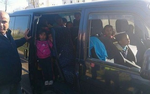 Police stopped a minibus in Rahat with 32 children filling the vehicle's eight seats. (photo credit: Israeli Police)