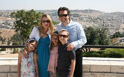 Cantor Eric Moses, wife Melissa, and children. (courtesy)