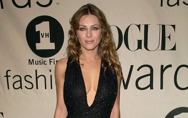 Elizabeth Hurley (photo credit: Featureflash / Shutterstock.com)