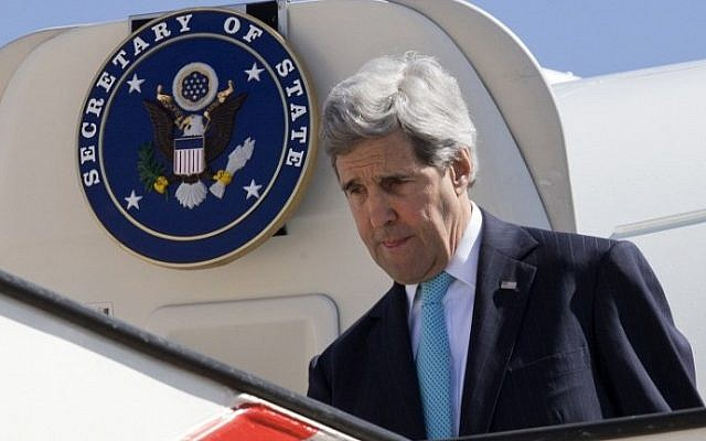 US Secretary of State John Kerry arrives in the Jordanian capital Amman, on March 26, 2014 (Photo credit: Jacquelyn Martin-Pool/AFP)
