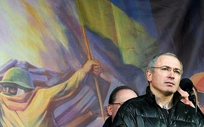 Mikhail Khodorkovsky, the recently freed former head of the Russian oil company Yukos, addresses an anti-war rally in Independence Square in the Ukrainian capital Kiev on March 9, 2014. (photo credit: AFP/Volodymyr Shuvayev)