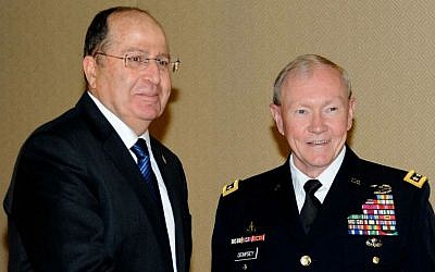 Israeli Minister of Defense Moshe Ya'alon (L) meets with US Chairman of the Joints Chiefs of Staff Gen. Martin Dempsey, in Jerusalem on March 30, 2014. (photo credit: David Azagury/US Embassy Tel Aviv/ Flash90)
