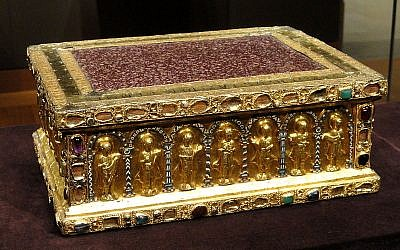Portable Altar of Countess Gertrude from shortly after 1038, from the Guelph Treasure. (photo credit CC BY Wikipedia)