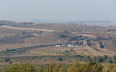 A view of Israel's border with Syria in the Golan Heights, August 2013 (photo credit: Gili Yaari/Flash90)