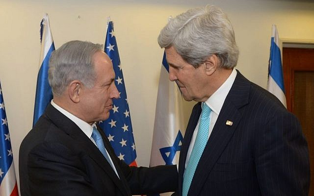 Benjamin Netanyahu (left), meeting with John Kerry in Jerusalem, March 31, 2014. (Amos Ben Gershom/ GPO/Flash90)