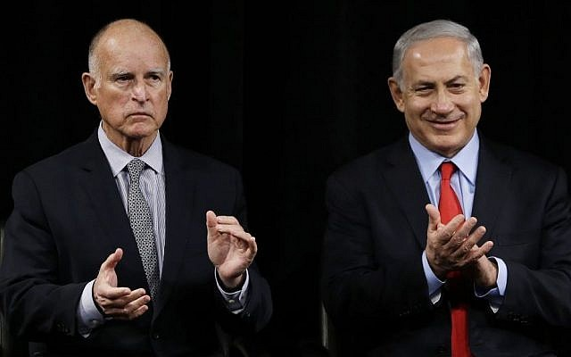 California Governor Jerry Brown, left, and Prime Minister Benjamin Netanyahu at the Computer History Museum in Mountain View, California. (AP/Eric Risberg)