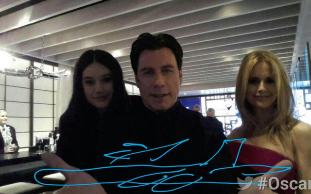 John Travolta, Kelly Preston and daughter Ella posing for Twitter photos from the green room (The Oscars Green Room Twitter pics)
