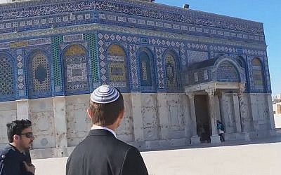 Moshe Feiglin during a visit to the Temple Mount in Jerusalem, February, 19, 2014 (screen capture: YouTube)