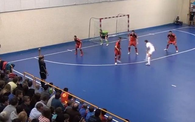 The Belgian futsal team during a match against Poland (YouTube screen grab)