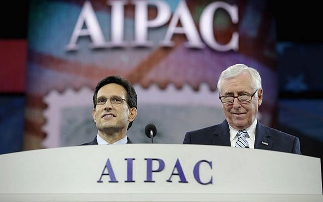 US House of Representatives Majority Leader Eric Cantor at left, and Minority Whip Steny Hoyer deliver remarks during the American Israel Public Affairs Committee's Policy Conference in Washington on Monday. (photo credit: JTA/Somodevilla/Getty Images)