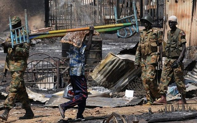 South Sudan national army soldiers patrolling the town of Bentiu, April 2014. (Simon Maina/AFP)