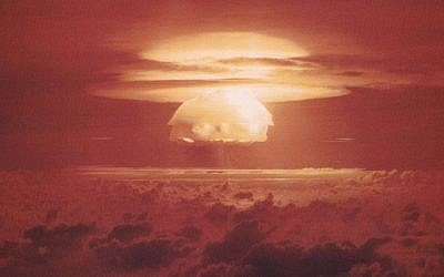 A US nuclear bomb test at the Marshall Islands, 1954 (Wikicommons/US Department of Energy)
