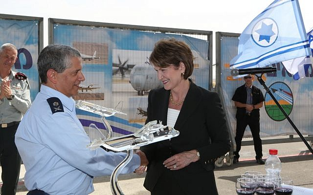 The CEO and Chairman of Lockheed Martin, Marillyn Hewson, who opened a new office of Lockheed Martin in Beersheva today, presented IAF chief Maj. Gen. Amir Eshel with three glass models of the C-130J (photo credit: courtesy: Diego Mitelberg)