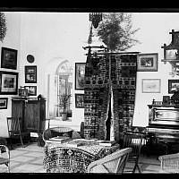 The American Colony Salon, 1900-1920 (photo credit: American Colony Photo Department photographers from, American Colony Members, Activities and Aid Projects, 1890-1930, negative collection/The American Colony Archive Collection)   ​