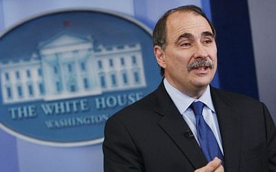 In this Friday, May 29, 2009 file photo, Senior White House adviser David Axelrod speaks during a television interview in the press briefing room at the White House in Washington. Britain's opposition Labour Party has recruited Axelrod, a top adviser to U.S. President Barack Obama's campaigns, to help with its leader's election bid next year. (photo credit: AP/Charles Dharapak)