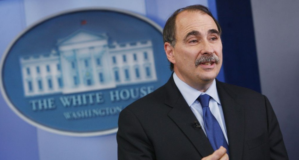 In this Friday, May 29, 2009 file photo, Senior White House adviser David Axelrod speaks during a television interview in the press briefing room at the White House in Washington. (Photo credit: AP/Charles Dharapak)