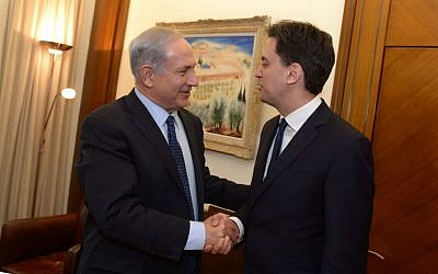 Prime Minister Benjamin Netanyahu meets with British Labour Party leader Ed Miliband, at the Prime Minister's Office in Jerusalem on April 10, 2014. (Photo credit: Haim Zach / GPO/FLASH90)