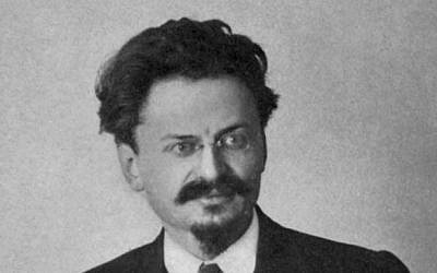 Leon Trotsky (Century Co, NY, 1921 / Wikipedia)