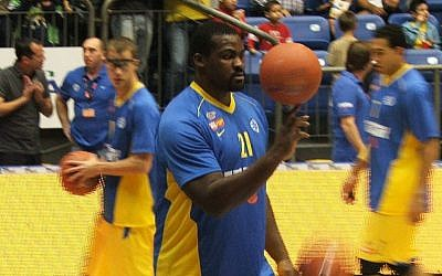 Maccabi Tel Aviv basketball player Sofoklis Schortsanitis. (photo credit: Botend/Wikimedia Commons/File)