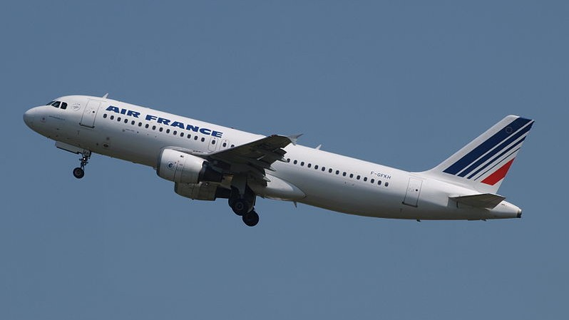 Illustrative photo of an Air France Airbus shortly after takeoff (Alf van Beem/Wikimedia Commons, File)