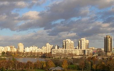 View of Paris suburb Créteil. (CC BY Christophe Pinard/Flickr)