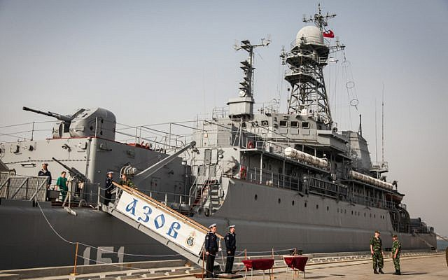 A previous Russian ship, Azov,at the port of Haifa, May 02, 2013. (photo credit: Avishag Shaar Yashuv/FLASH90)