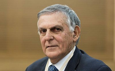 Dan Shechtman, winner of the Nobel Prize in Chemistry, attends a meeting of the Science and Technology committee in the Knesset, February 2014. (photo credit: Flash90)