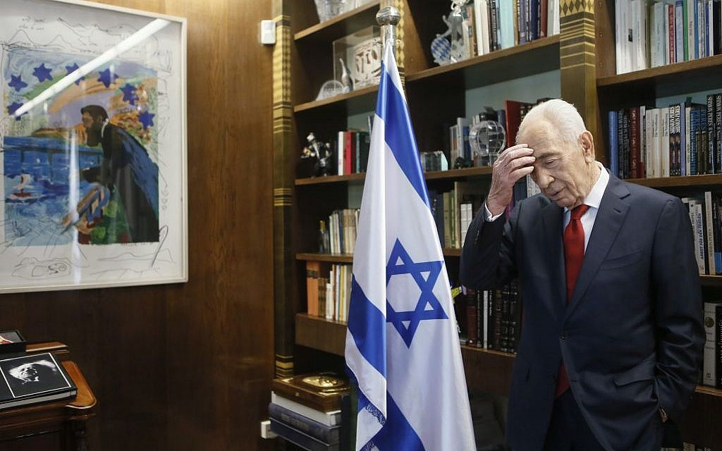 Shimon Peres, in his office at the president's residence in Jerusalem. March 27, 2014. (Photo credit: Miriam Alster/FLASH90)