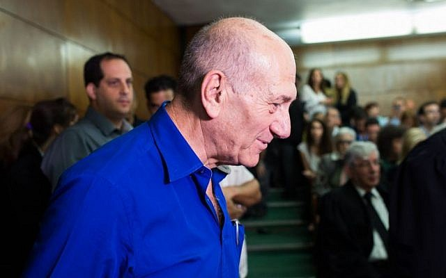 Former prime minister Ehud Olmert before his sentencing at the Tel Aviv District Court, Tuesday, May 13, 2014 (photo credit: Yotam Ronen/POOL/Flash90)