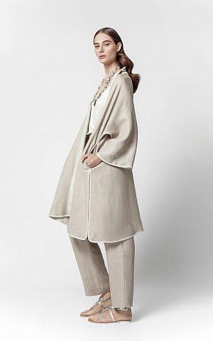 The Maskit desert cloak, renewed in linen (Courtesy Maskit)