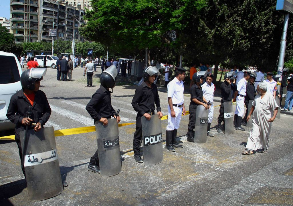 Metro Tannenbaum.Four Hurt In Cairo Metro Blasts The Times Of Israel