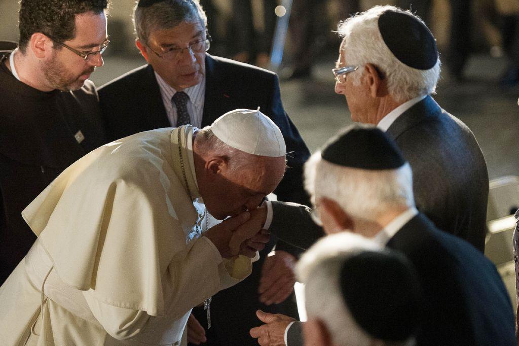 Αποτέλεσμα εικόνας για the pope with the jews