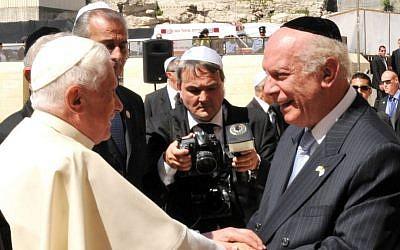 Rabbi Arthur Schneier greets Pope Benedict XVI on his trip to Israel in 2009. (Courtesy; Sasson Tiram)