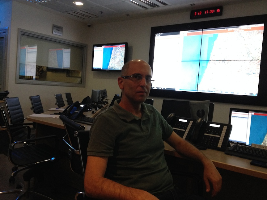 Yoav Kenan, director of the project's geographic information system, at the Fire Department's control room in Rishon Lezion (Photo credit: Courtesy)