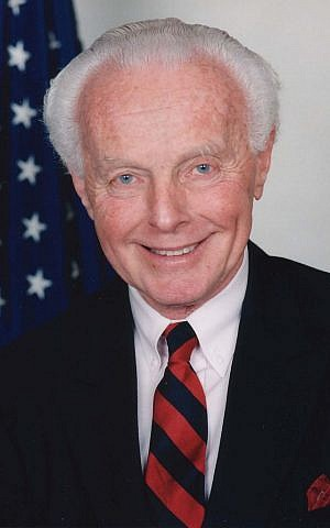 US congressman Tom Lantos, the only Holocaust survivor to serve in the House of Representatives. (public domain)