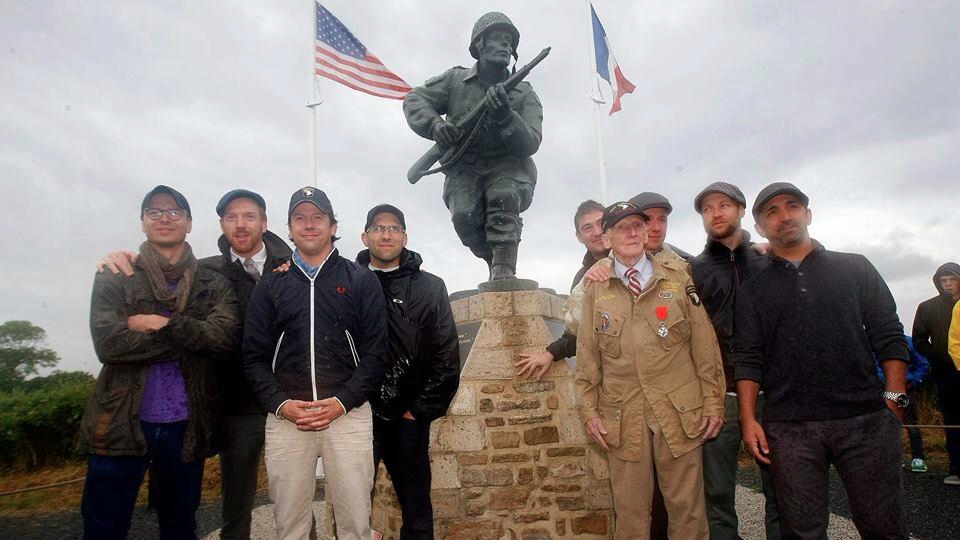 band of brothers reunites for d day the times of damian lewis second from left ben caplan fourth from left and